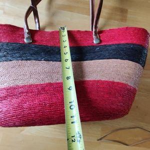 Straw tote wide stripes velcro closure